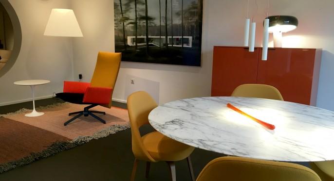 Geef je woonkamer karakter met de corbusier stoel waterapps for Daamen interieur